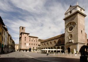 unconventional_tour Piazza Erbe - Foto Archivio Comune di Mantova 2