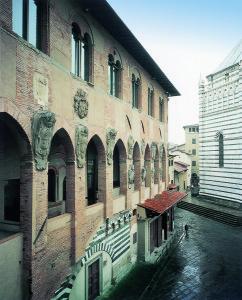 Antico Palazzo dei Vescovi Pistoia
